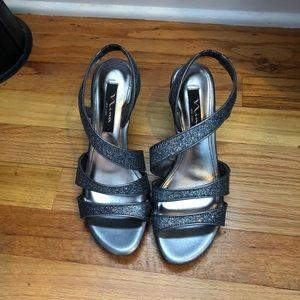 Shoes - Sliver glitter low heels